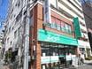都営新宿線・大江戸線の森下駅「A4」出口を出て右側です。エイブルの緑色の看板を目印にお越し下さい。