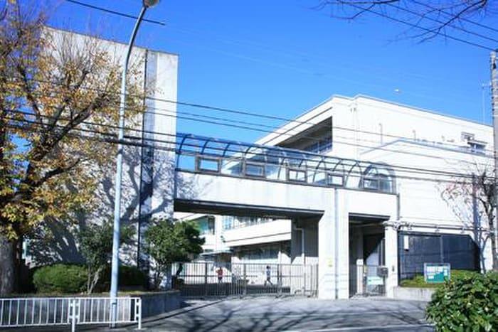 横浜市立岡野中学校(中学校/中等教育学校)まで539m