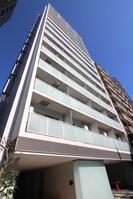 コンフォリア西新宿の外観