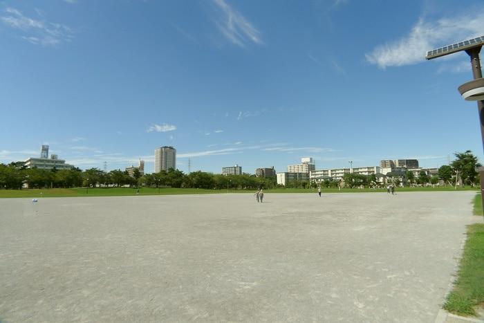 綾瀬川左岸防災公園(公園)まで80m