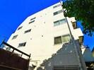 榮清ビルの外観