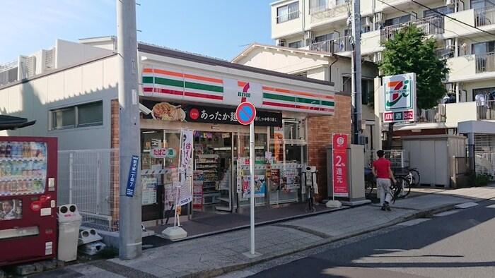セブンイレブン横浜新子安1丁目店(コンビニ)まで28m