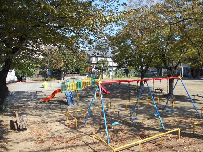 君待公園(公園)まで80m