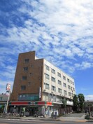 鈴木ビルの外観