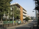 小石川図書館(図書館)まで590m