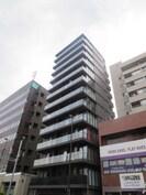ZOOM東新宿の外観