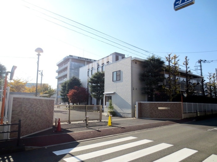 東京女子体育大学(大学/短大/専門学校)まで541m