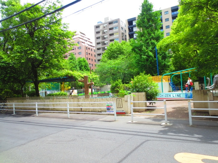 越前堀児童公園(公園)まで290m