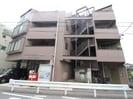 上新城ビルの外観