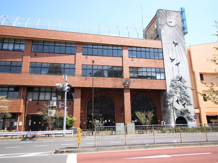 台東区立根岸小学校(小学校)まで154m
