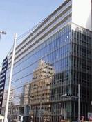 ラクアスレジデンス東新宿の外観