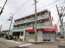阪神不動産販売ビルの外観