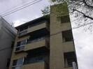 住装ビルの外観