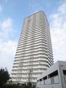 高見フローラルタウン七番街16号棟の外観