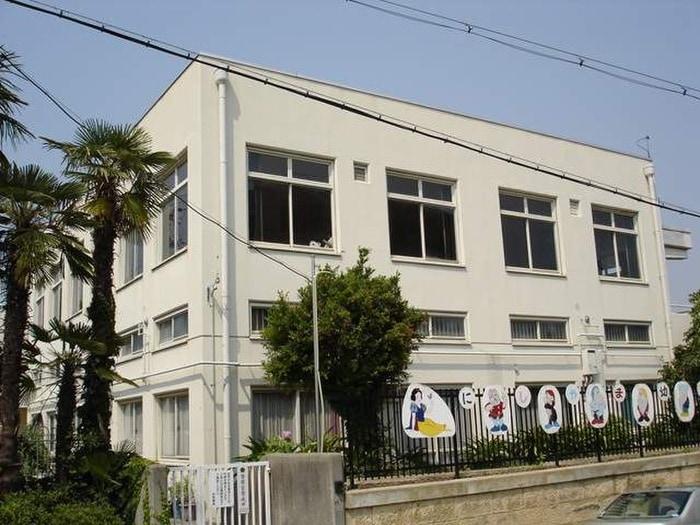 西山幼稚園(幼稚園/保育園)まで1530m