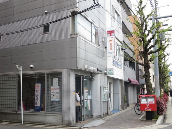 川端郵便局(郵便局)まで130m