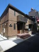 ブルーメ三軒家B棟の外観