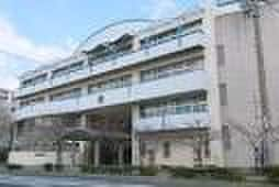 魚崎中学校(中学校/中等教育学校)まで600m