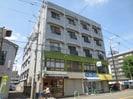 関山ビルの外観