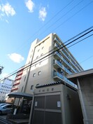 KM江坂の外観