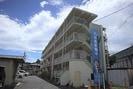 ビレッジハウス加賀田1号棟の外観