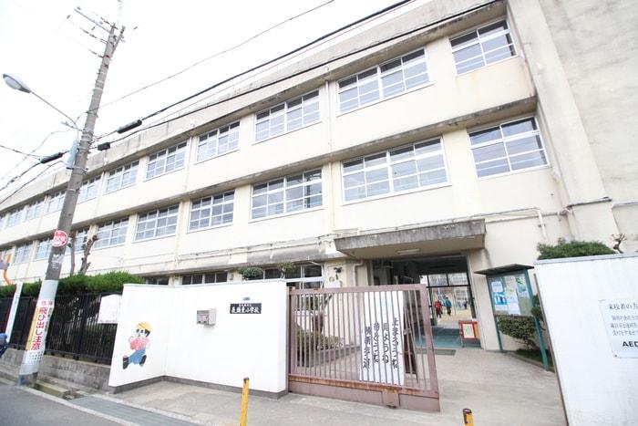 東大阪市立長瀬東小学校(小学校)まで702m