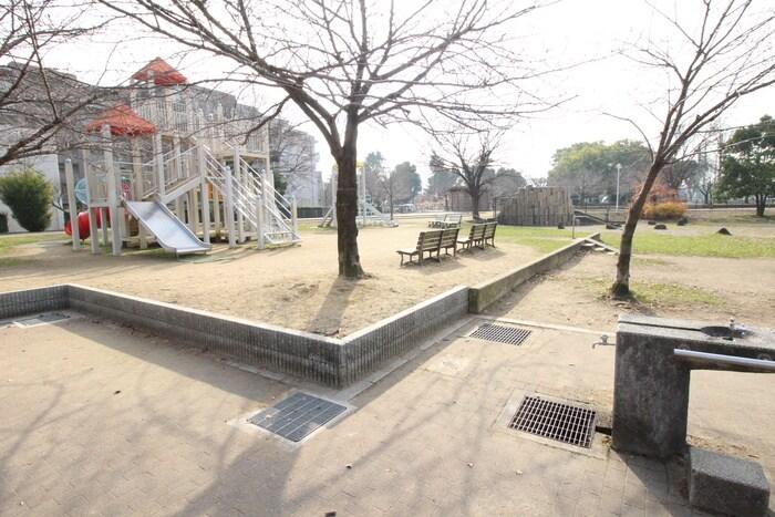 金岡公園(公園)まで893m