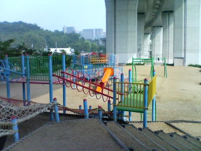 名谷あじさい公園(公園)まで500m