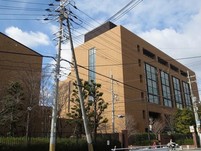 大阪学院大学(大学/短大/専門学校)まで590m