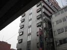 トーエー高井田中央ビルの外観