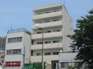 茂里川ビルの外観