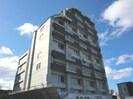 AMS352ビルの外観