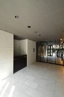 大阪メトロ御堂筋線/本町駅 徒歩5分 8階 築5年の外観