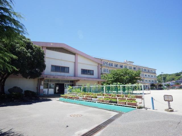 静岡市立西豊田小学校(小学校)まで700m