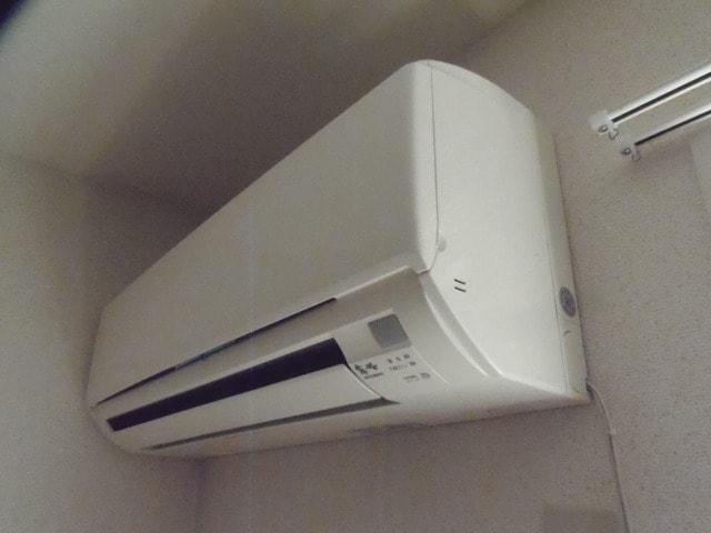 冷暖エアコン設置済み