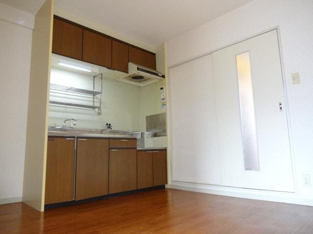ゆったりとしたキッチンスペースです。