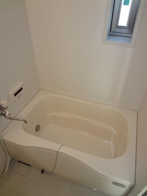 追い焚きや浴室換気乾燥機付きです。
