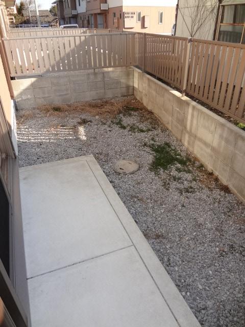 広々専用庭付きです。