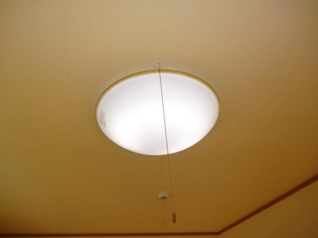 居室照明器具付きです。