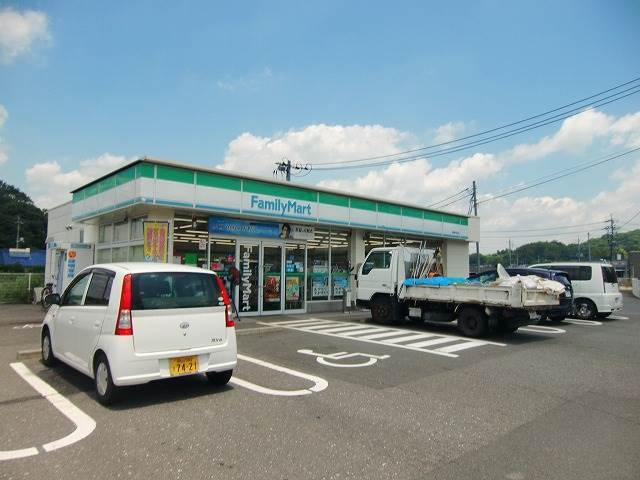 ファミリーマート岡山目黒町店(コンビニ)まで647m