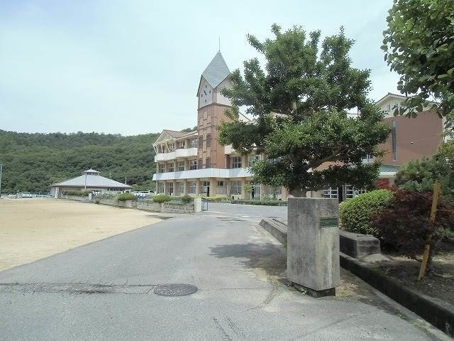 備前市立吉永中学校(中学校/中等教育学校)まで1102m