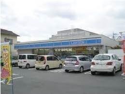 ローソン岡山門田屋敷店(コンビニ)まで329m