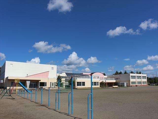 北見市立東小学校(小学校)まで648m