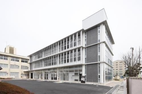 岡山市立西小学校(小学校)まで2763m