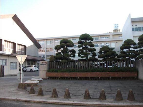 岡山県立岡山南高等学校(高等学校/高等専門学校)まで882m