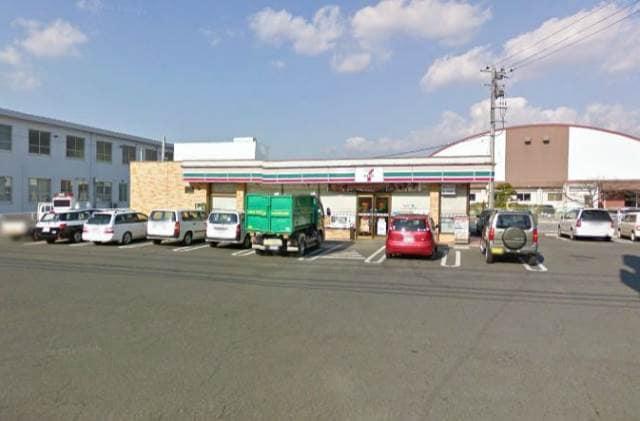 セブンイレブン岡山芳明小前店(コンビニ)まで477m