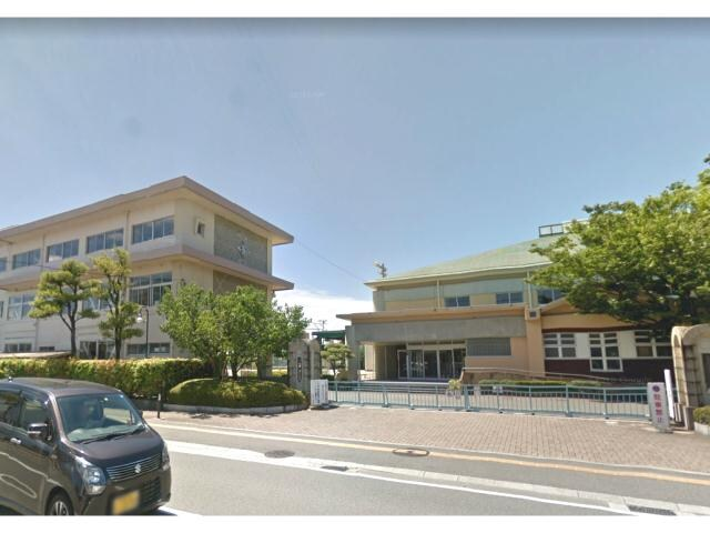 徳島市立富田小学校(小学校)まで350m