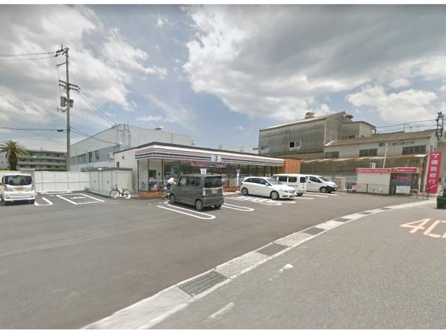 ローソン徳島中昭和町三丁目店(コンビニ)まで560m