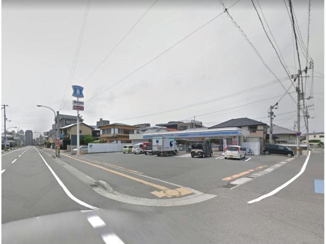 ファミリーマート中前川町店(コンビニ)まで466m