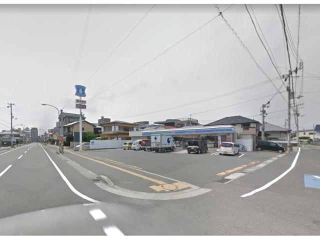 ローソン徳島中前川町店(コンビニ)まで532m